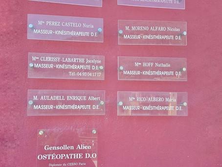 Au Cabinet, 1 avenue Jean Médecin de Sospel - Kinésithérapeutes et Ostéopathe mains dans la mains!