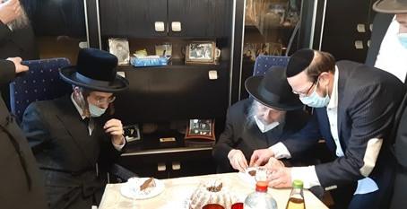 """צעיר האדמורי""""ם ביים זקן הרבנים"""