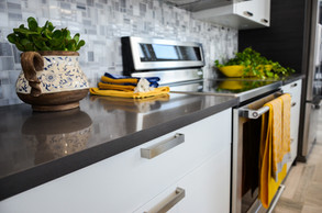 07-Distinct-Show-Home-Aug-2016-quartz-modern-home-high-end-luxury-countertops-faucets-fixtures-design-regina-showhome-flooring-tile-granite-designer.jpg