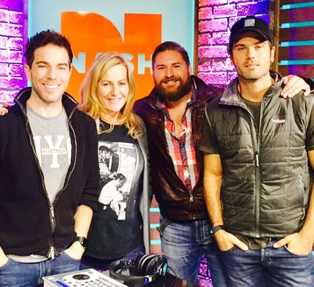 What a great morning on _tykellyandchuck