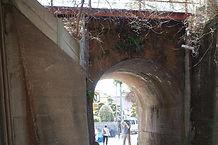 門の前架道橋西側から