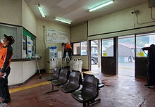 福渡駅舎内の清掃作業 2020-10