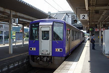 キハ120 更新車 300番台 加茂駅