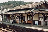 亀甲旧駅舎.jpg