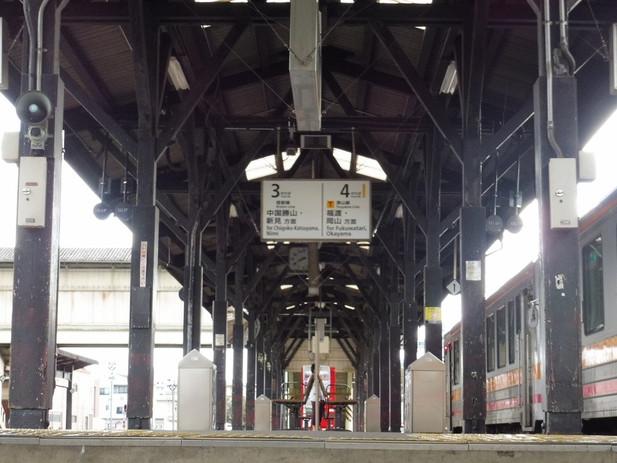 津山駅ホーム 2016-10