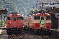 1-2017-6-10勝山止めが入線し、発車.jpg