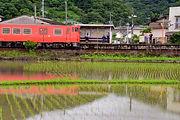 梅雨の備前原駅