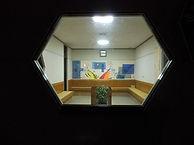 亀太郎ロビー・窓から