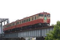 1-2017-6-10    旭川橋梁を渡る回送.jpg