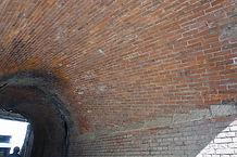 ねじりまんぽ内壁