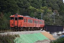 第一三篠川鉄橋を行く試運転列車