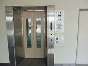 エレベーター乗降口