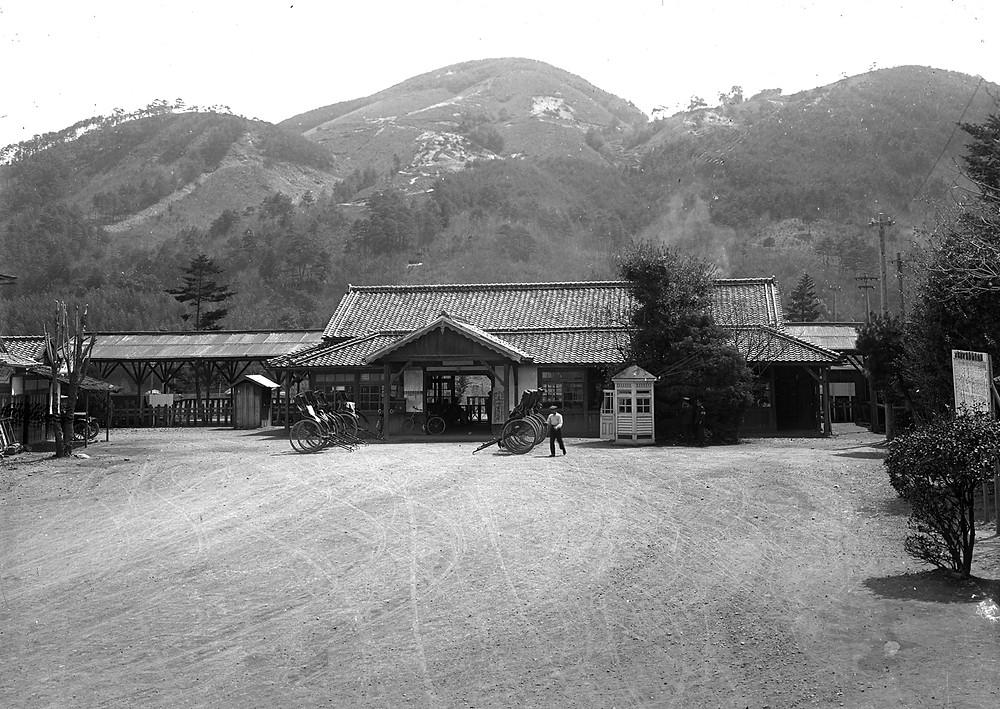 津山駅 (江見写真場さん)