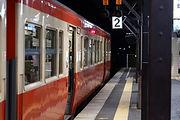乗客を待つ夜桜列車 津山