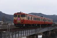 吉井川を渡る雛まつり列車
