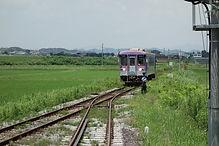 粟生行き列車入線