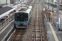 粟生駅 左は神鉄粟生線.jpg