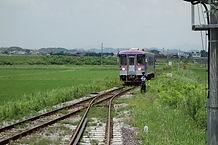 法華口に入線する列車