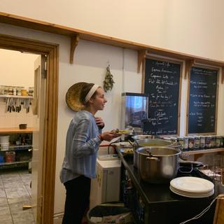 service area / kitchen beyond (L)