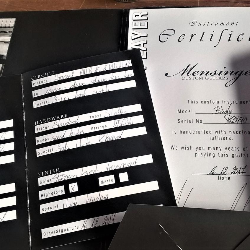 Certificat livré avec chaque guitare