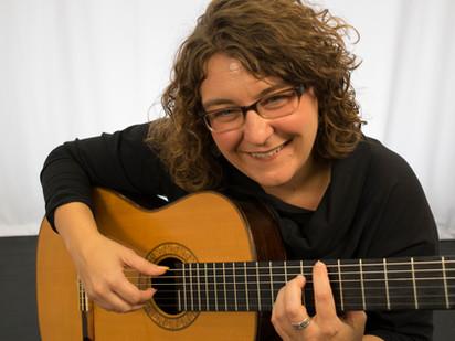 Classical Guitarist Kim Perlak Explores the American Style