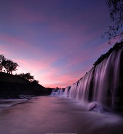 東雲の黒滝。