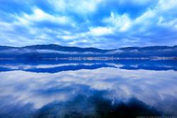 余呉鏡湖。