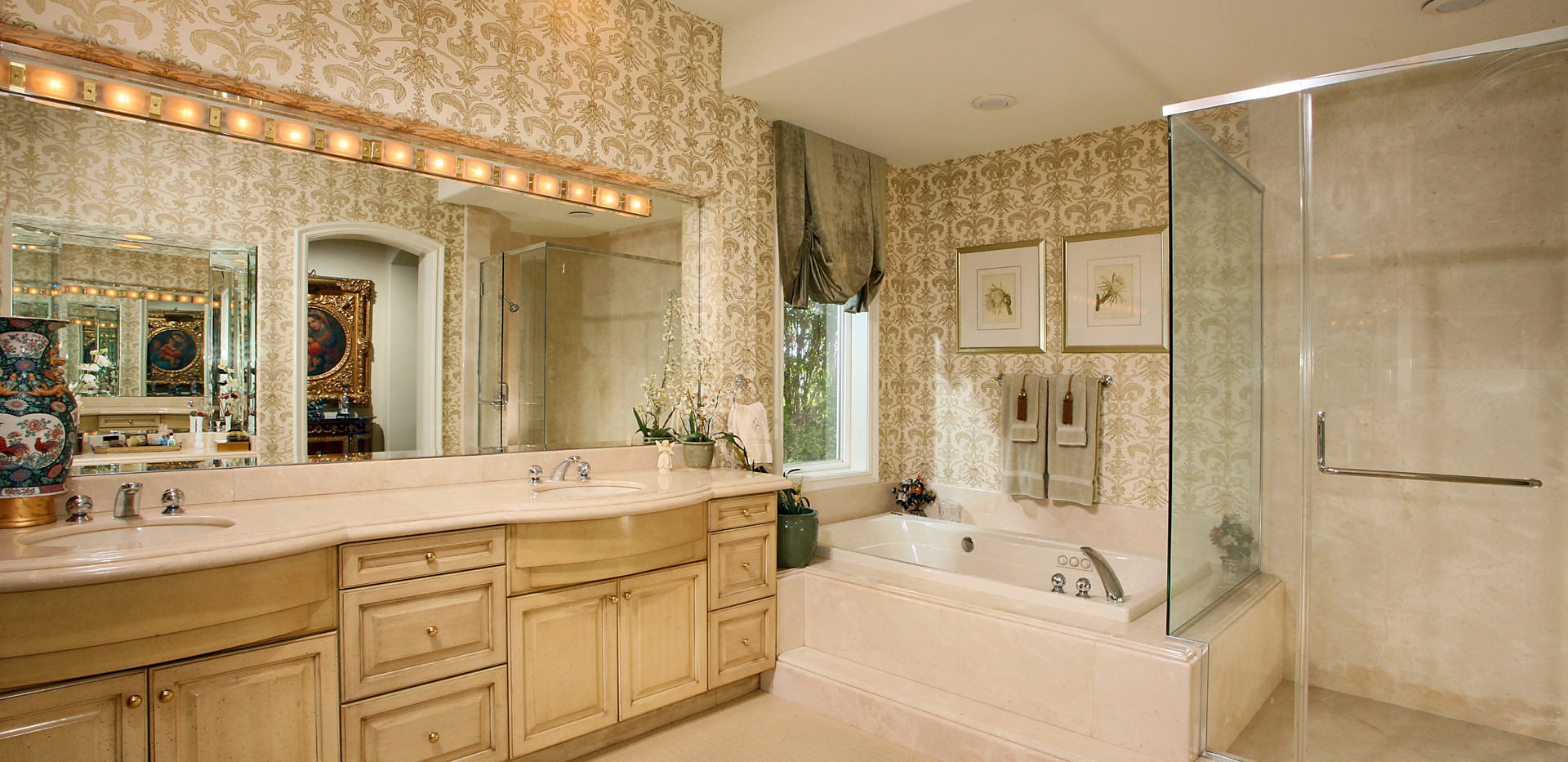 Master Bathroom-6.jpg