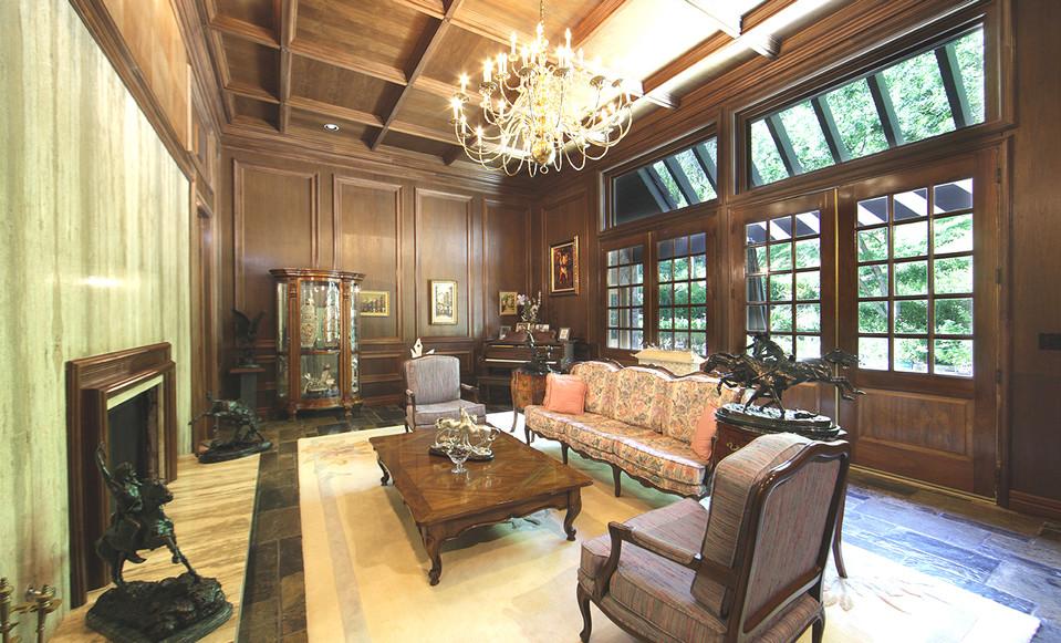 Corbin living room.jpg
