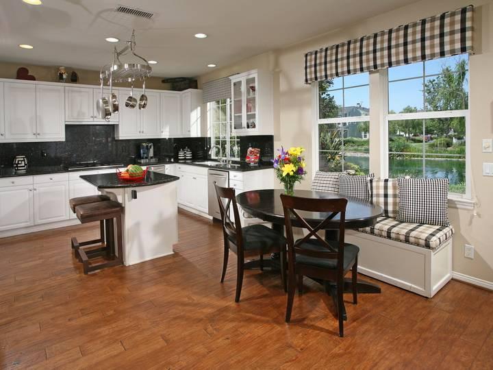 Kitchen-Dining Area-5.jpg