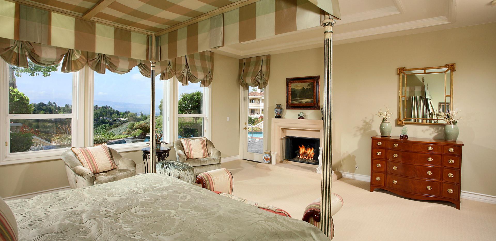 Master Bedroom-5.jpg