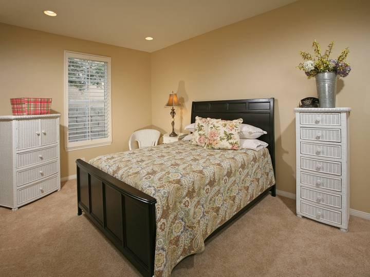 Bedroom 3-10.jpg