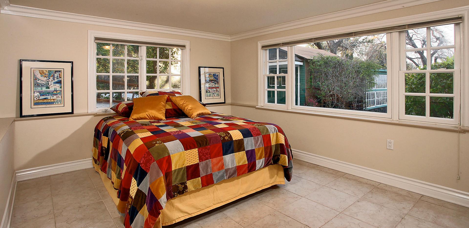 Guest Bedroom-15.jpg