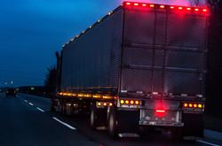 semi-trailer-lights