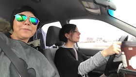 Annie et Nath en auto_Moment.jpg
