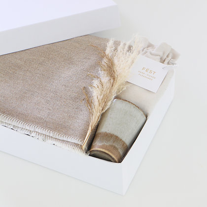 COZY WINTER GIFT BOX