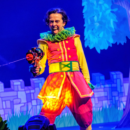 Michael Lapham on tour in 'Rapunzel' with Immersion Theatre!