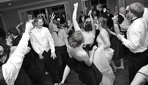 Wedding Reception DJ, Wedding Reception disc jockey, wedding dj, wedding disc jockey richmond, wedding dj richmond, mobile dj richmond, best richmond dj service, dj booking agency richmond va, wedding reception entertainment,
