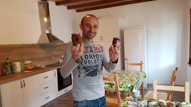 Мечтата за дядовата къща връща един научен работник от Англия в търговищко село