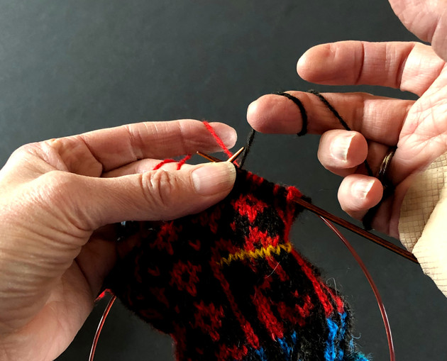 Stranded Knitting: Part 6 - Holding Yarn and Tensioning (Video Episode 7)