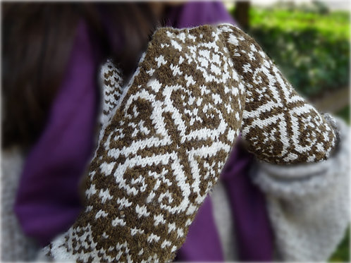 West at Heart Mittens