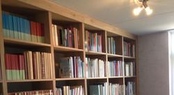 Massief eiken boekenkast