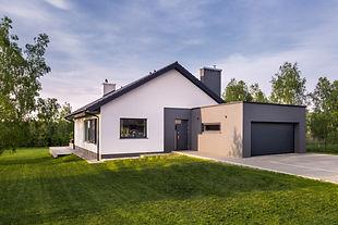 maison et jardin shutterstock_676185355.
