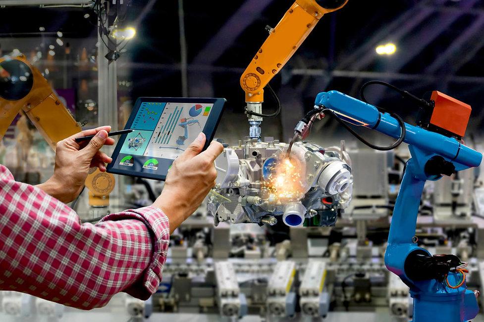 industry_4-0_industrial_iot_factory_robo