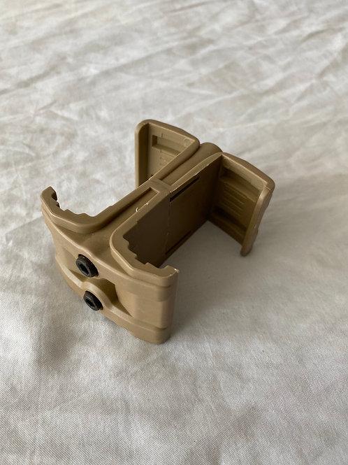 Mag Cuplet / Connector (Tan)