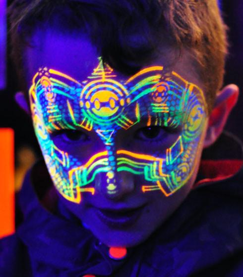 UV GLOW PARTIES