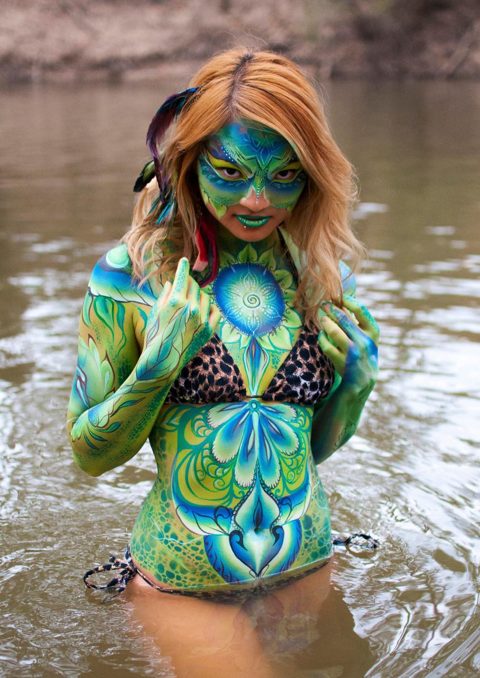 body painting , body artist