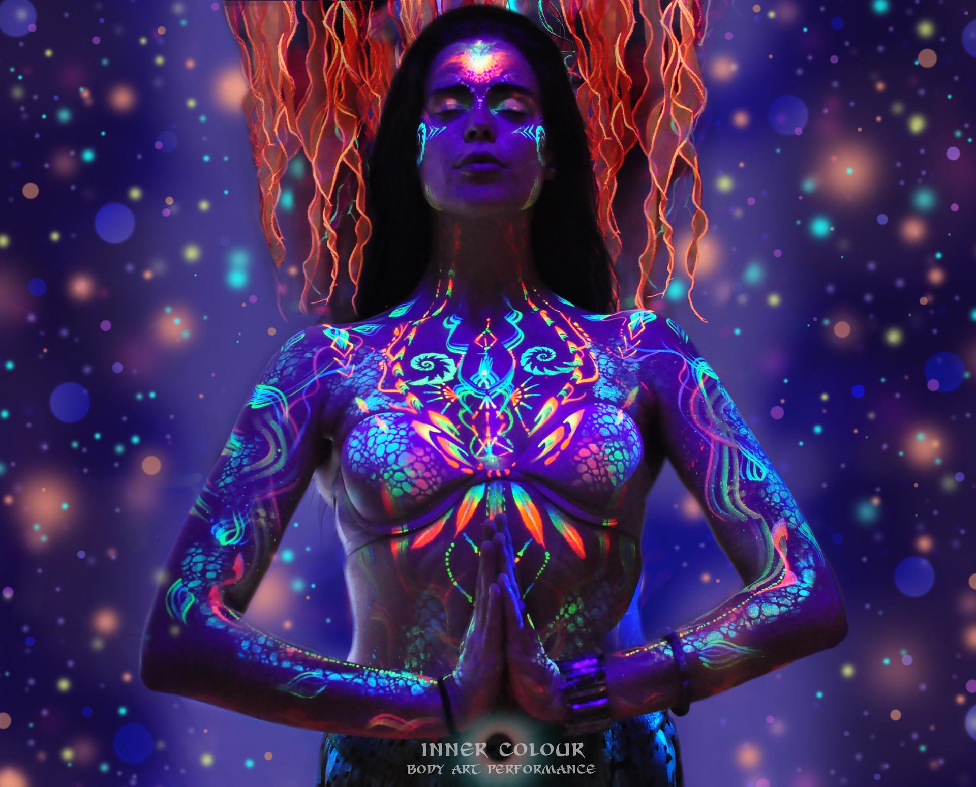 Live Body Art Performance Deya Dova Shaa Inner Colour