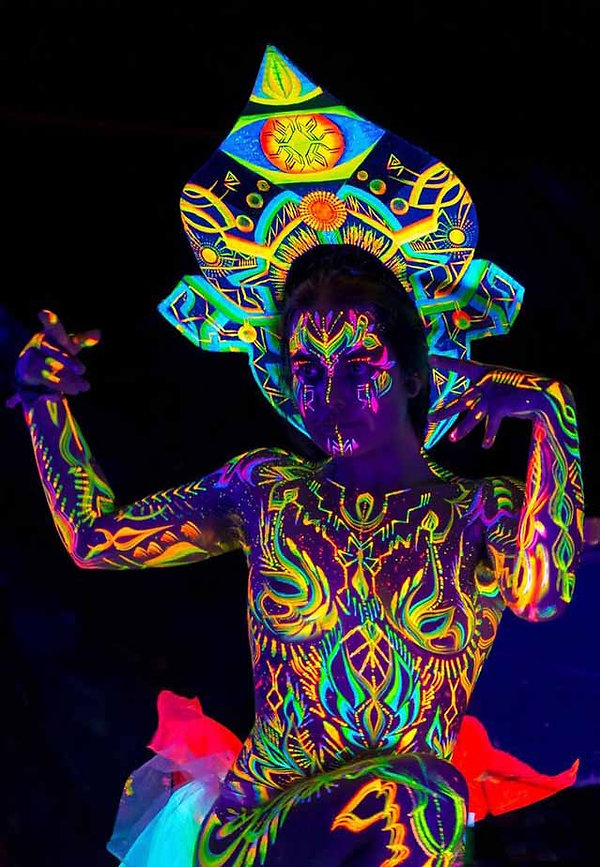 body painting uv performance art  melbou