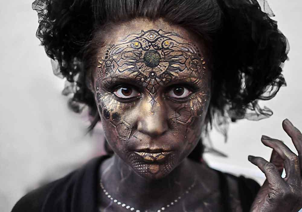 creative-makeup-face-paint-artist-.jpg